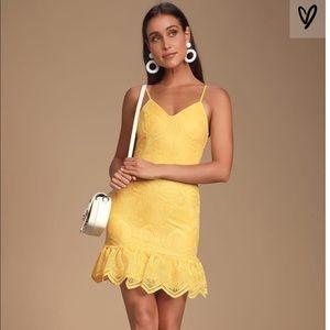 Lulus Yellow Lace dress small